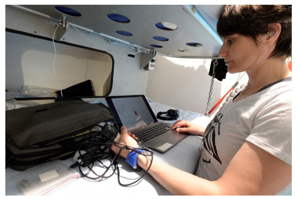 ESA astronaut Samantha Cristoforetti conducting the neurocognition study during the NEEMO XXIII mission. The study was designed by the Cognitive Neuroscience Laboratory.