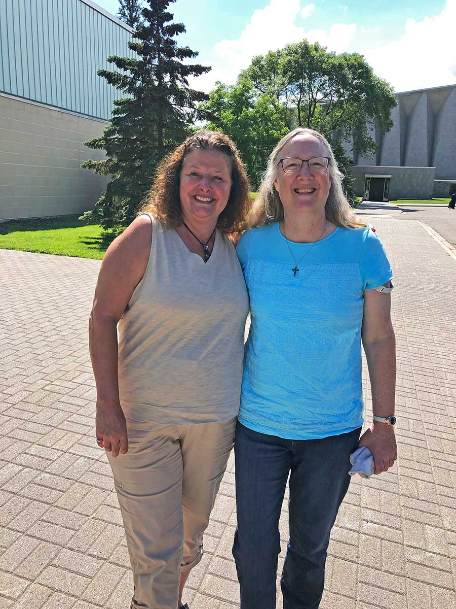 Caroline Amplatz and Sally McGill are childhood friends