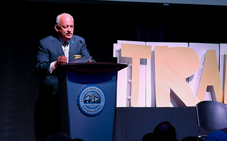 Dr Morales speaks at comm symposium